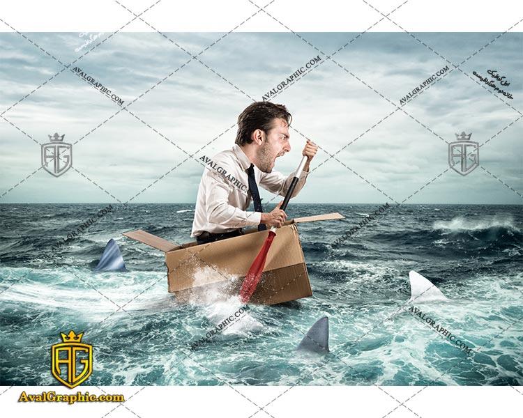 شاتراستوک مرد در دریا