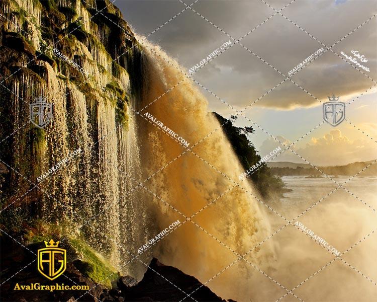 عکس با کیفیت آبشار گل آلود مناسب برای طراحی و چاپ - عکس آبشار - تصویر آبشار- شاتر استوک آبشار - شاتراستوک آبشار