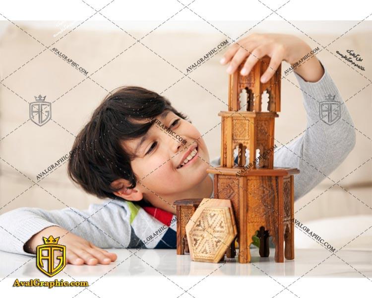 عکس با کیفیت پسر خندان مناسب برای طراحی و چاپ می باشد - عکس پسر- تصویر پسر- شاتر استوک پسر- شاتراستوک پسر
