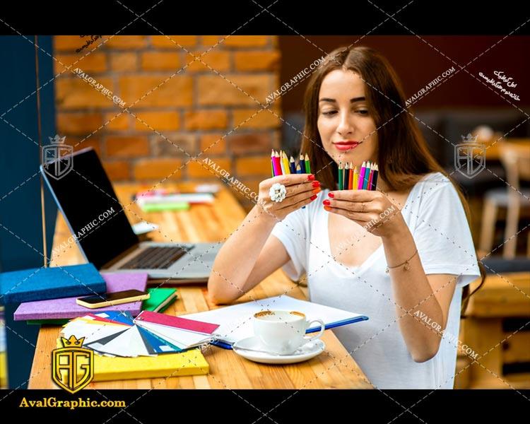 عکس با کیفیت انتخاب مدادرنگی مناسب برای طراحی و چاپ - عکس مداد - تصویر مداد - شاتر استوک مداد - شاتراستوک مداد