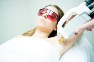 عکس با کیفیت لیزر موی زائد مناسب برای طراحی و چاپ - عکس لیزر - تصویر لیزر - شاتر استوک لیزر - شاتراستوک لیزر