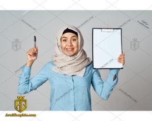 عکس با کیفیت نوشتن خانم با حجاب مناسب برای طراحی و چاپ - عکس خانم نویسنده - تصویر خانم نویسنده - شاتر استوک خانم نویسنده - شاتراستوک خانم نویسنده