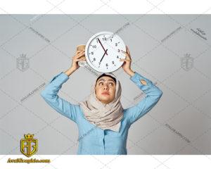 عکس با کیفیت خانم با حجاب و ساعت برای طراحی و چاپ - عکس خانم با حجاب - تصویر خانم با حجاب - شاتر استوک خانم با حجاب - شاتراستوک خانم با حجاب
