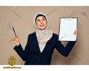 عکس با کیفیت دانشجوی با حجاب مناسب برای طراحی و چاپ - عکس دانشجوی با حجاب - تصویر دانشجوی با حجاب - شاتر استوک دانشجوی با حجاب